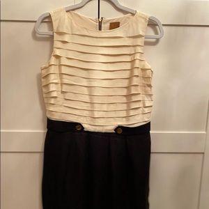 Ali Ro size 4 white/black sheath dress
